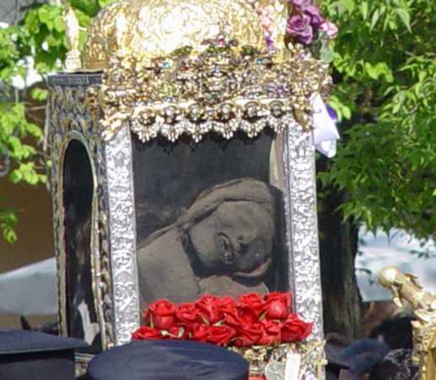 Невероятно, скелетные останки католических святых
